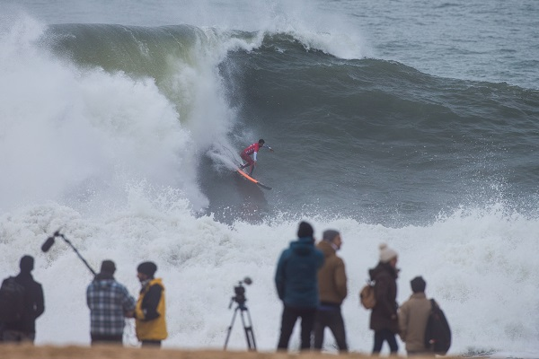 Lucas Chianca of Brasil wins the 2018 Nazaré Challenge at Nazaré, Leiria,Portugal.